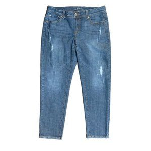 Straight Leg Destruction Jeans! Size 18
